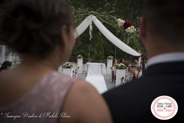 sposo cerimonia civile in location wedding planner torino matrimonio langhe