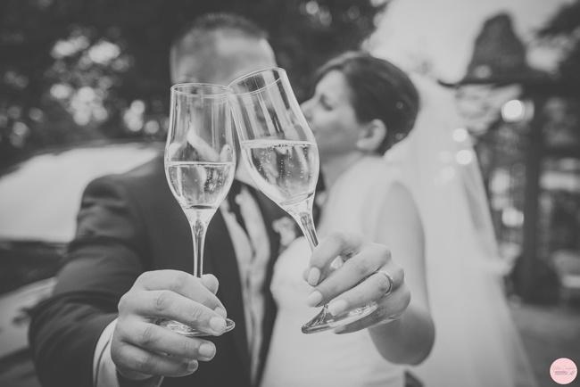 sposi-brindisi-fotografo-matrimonio-torino