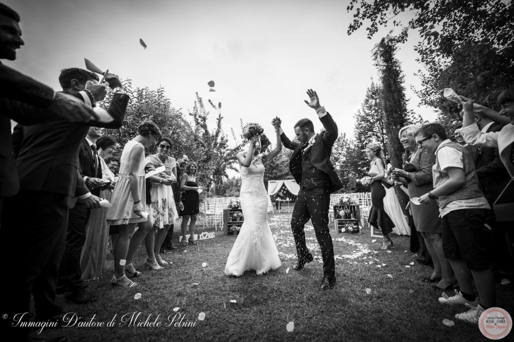 lancio riso cerimonia in location wedding planner torino matrimonio